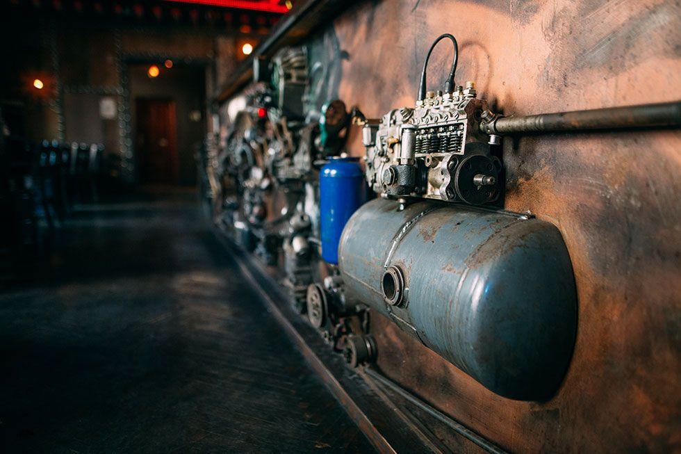 Enigma cafe. Pierwszy na świecie kinetyczny steampunk bar.
