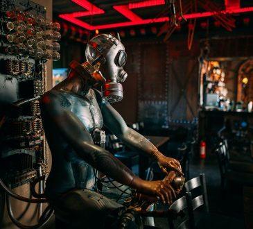 Enigma Cafe kinetyczny streampunk bar