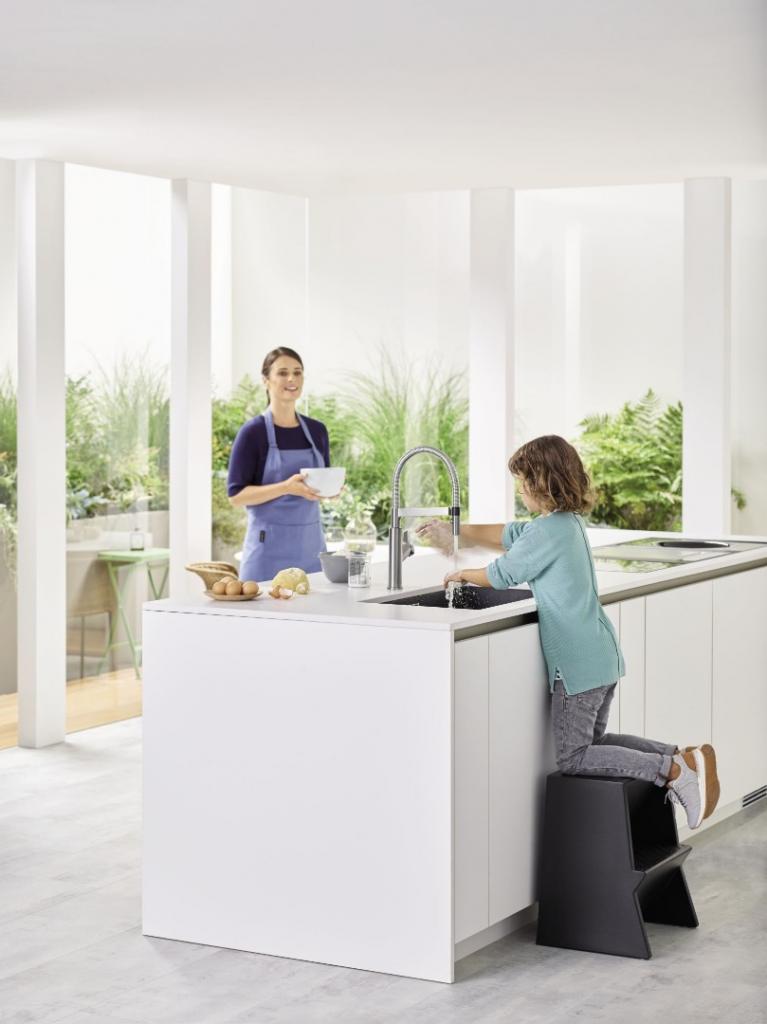 dzieci bezpieczne w kuchni